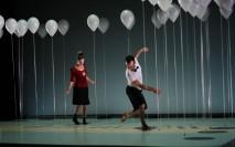 Imagen de la obra Amagatall (Escondite) de la compañía valenciana La Coja Dansa