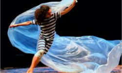 <i> 17 y 18 de diciembre </i> <br> <b>Vientos del mar</b> <br>Higiénico Papel Teatro<br> DANZA-TEATRO INFANTIL. Niños y niñas a partir de 2 años