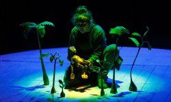 <i>6 y 7 de marzo (18h) </i><br><b>La leyenda de Sally Jones </b><br>Baychimo Teatro <br>TEATRO FAMILIAR