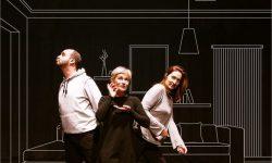 <i> 20 de octubre  </i><br><b> La Casa al final de Todo </b><br> ACTA – Companhia de Teatro do Algarve (Portugal) </b><br> TEATRO – CIRCUITO IBÉRICO DE ARTES ESCÉNICAS