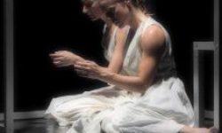 <i> 4 y 5 de mayo </i><br><b> María Zambrano, la Palabra danzante <br></b> Karlik Danza Teatro <br> DANZA/TEATRO