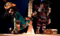 <i>17 y 18 de enero </i><br><b>Los Últimos Piratas</b><br>Títeres Cacaramusa <br>TEATRO FAMILIAR